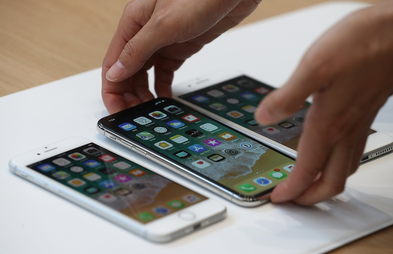 Credit freeze may hit iPhone fans - Northwest