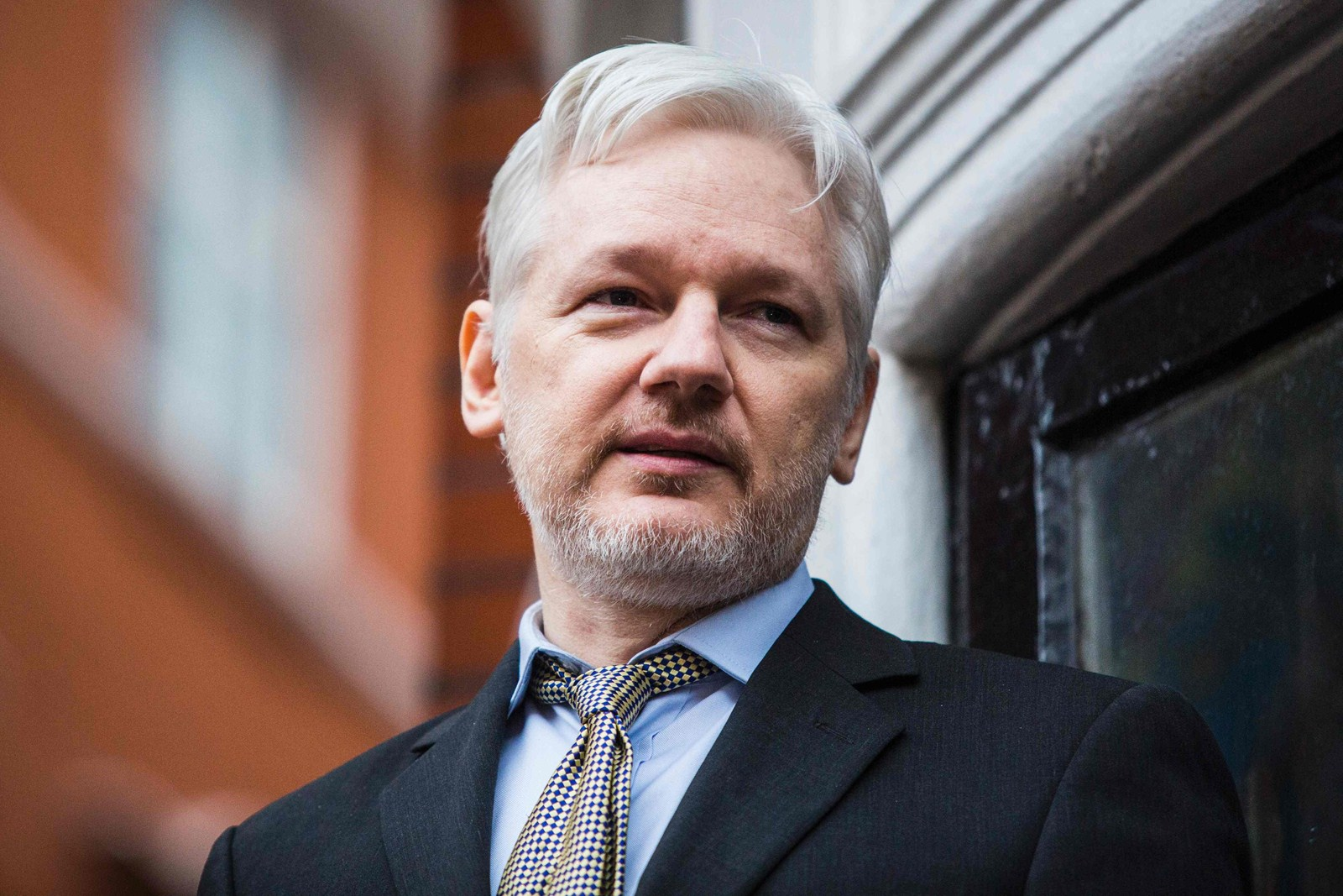 Yes The Media Downplay Wikileaks And Hillary Clinton But Assange Committed Espionage Porn North