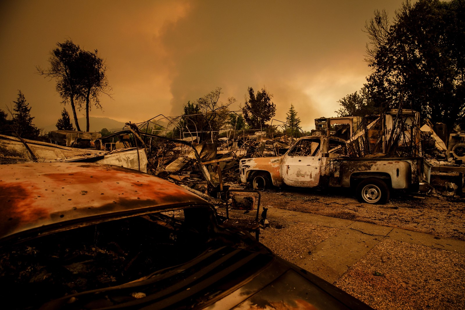 The Carr blaze is the most destructive of 17 major wildfires in the state. Authorities say they hope to gain more control of it as temperatures start to cool this week. — Photograph: Marcus Yam/Los Angeles Times.