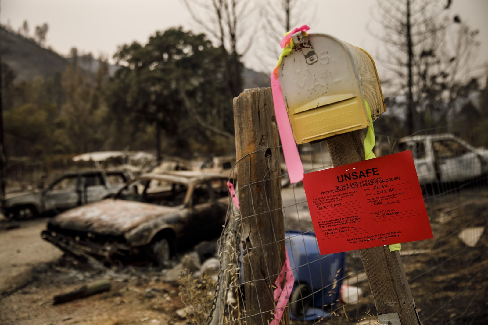 The Mendocino Complex fire has destroyed nearly 100 structures. Across the state, 619,000 acres have been scorched and 36,000 residents remain displaced. — Photograph: Marcus Yam/Los Angeles Times.