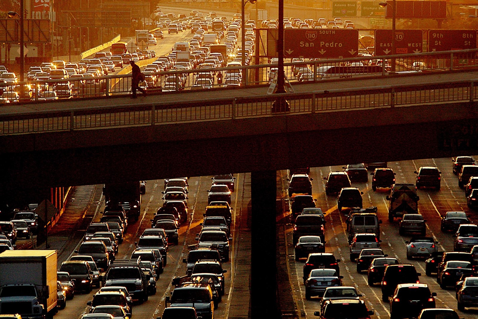 Under the Clean Air Act, California is the only state that can adopt its own emissions rules, but other states can then adopt them. — Photograph: Luis Sinco/Los Angeles Times.